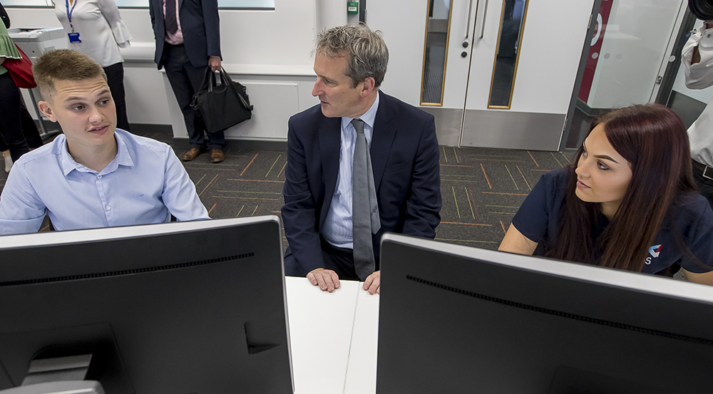 Damian Hinds with Digital Engineering Apprentices